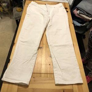 """Womens White Gloria Vanderbilt """"Amanda"""" Jeans"""